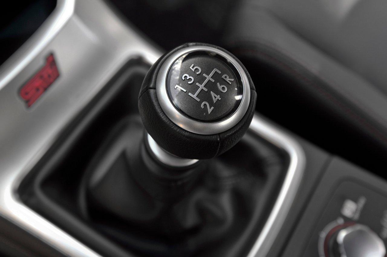 صورة سيارات قير عادي , معلومات عن سيارات قير عادي
