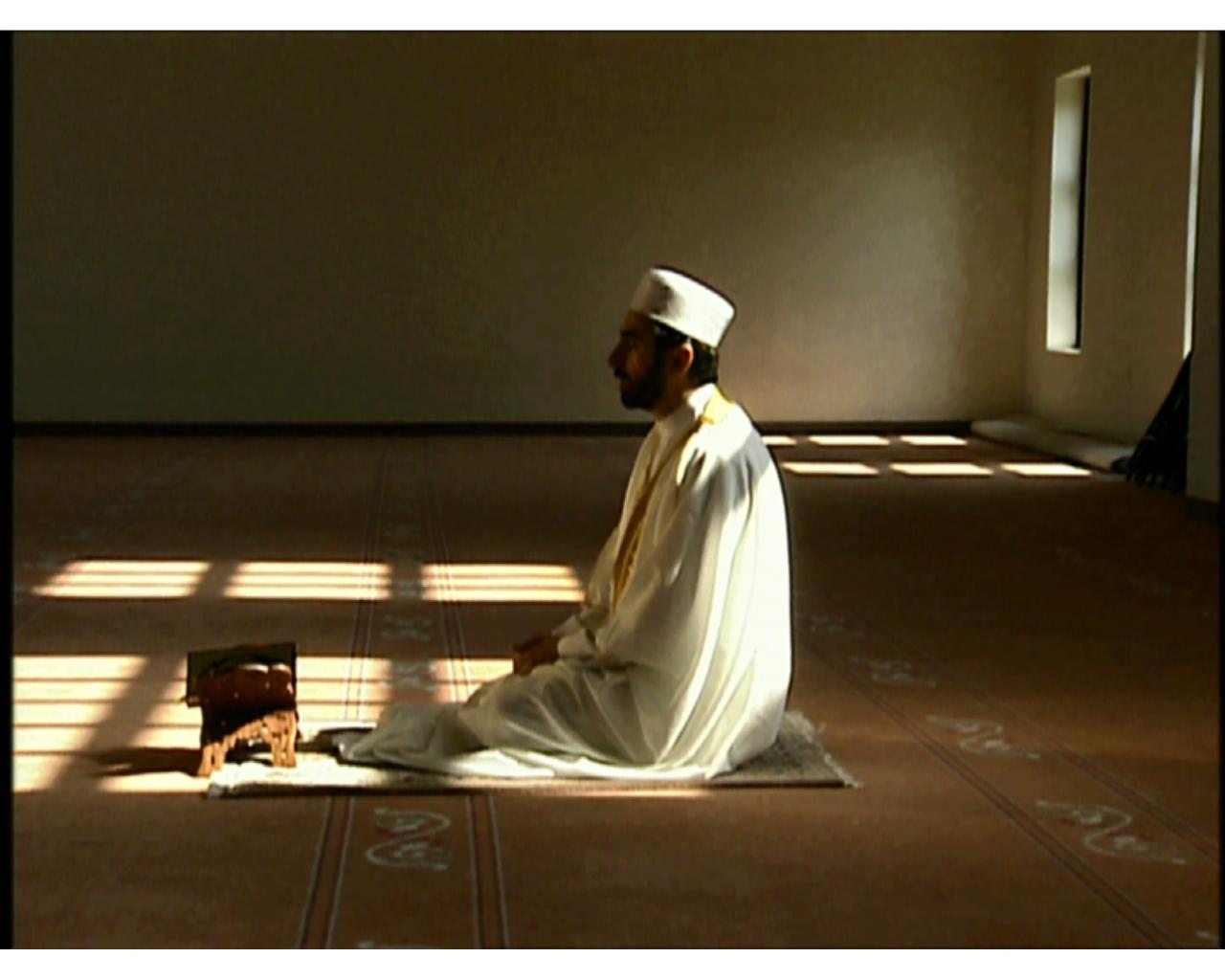 صورة صور رجل يصلي , صور تعبر عن الصلاة