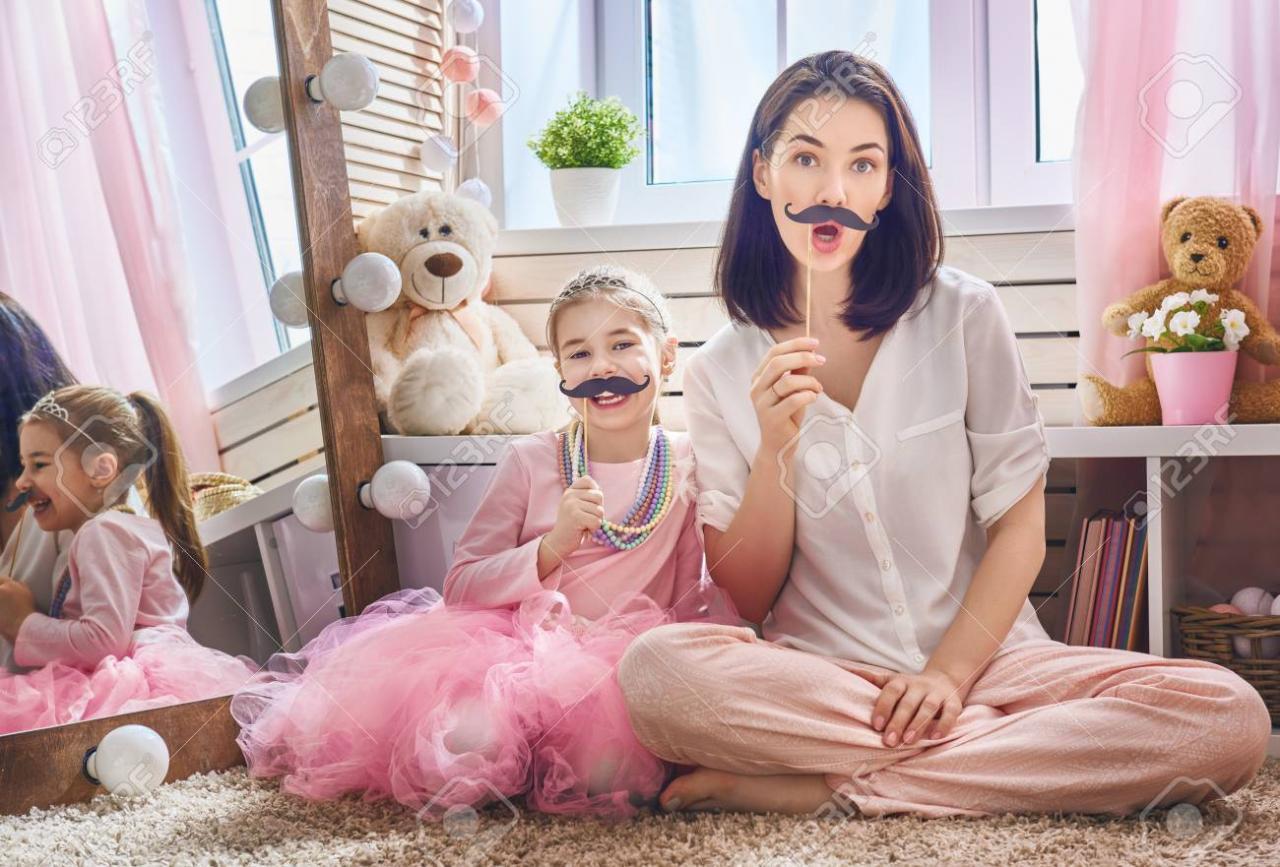صورة صورة بنات مضحكة , بالصور احلى حركات كوميدية للبنوتات