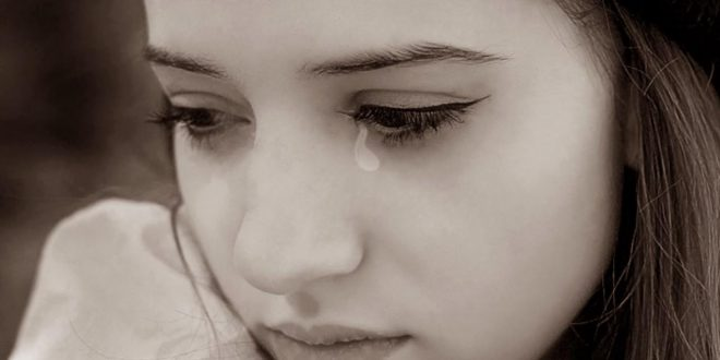 صور تفسير البكاء الشديد على شخص عزيز عليك في المنام , الحزن والدموع في المنام