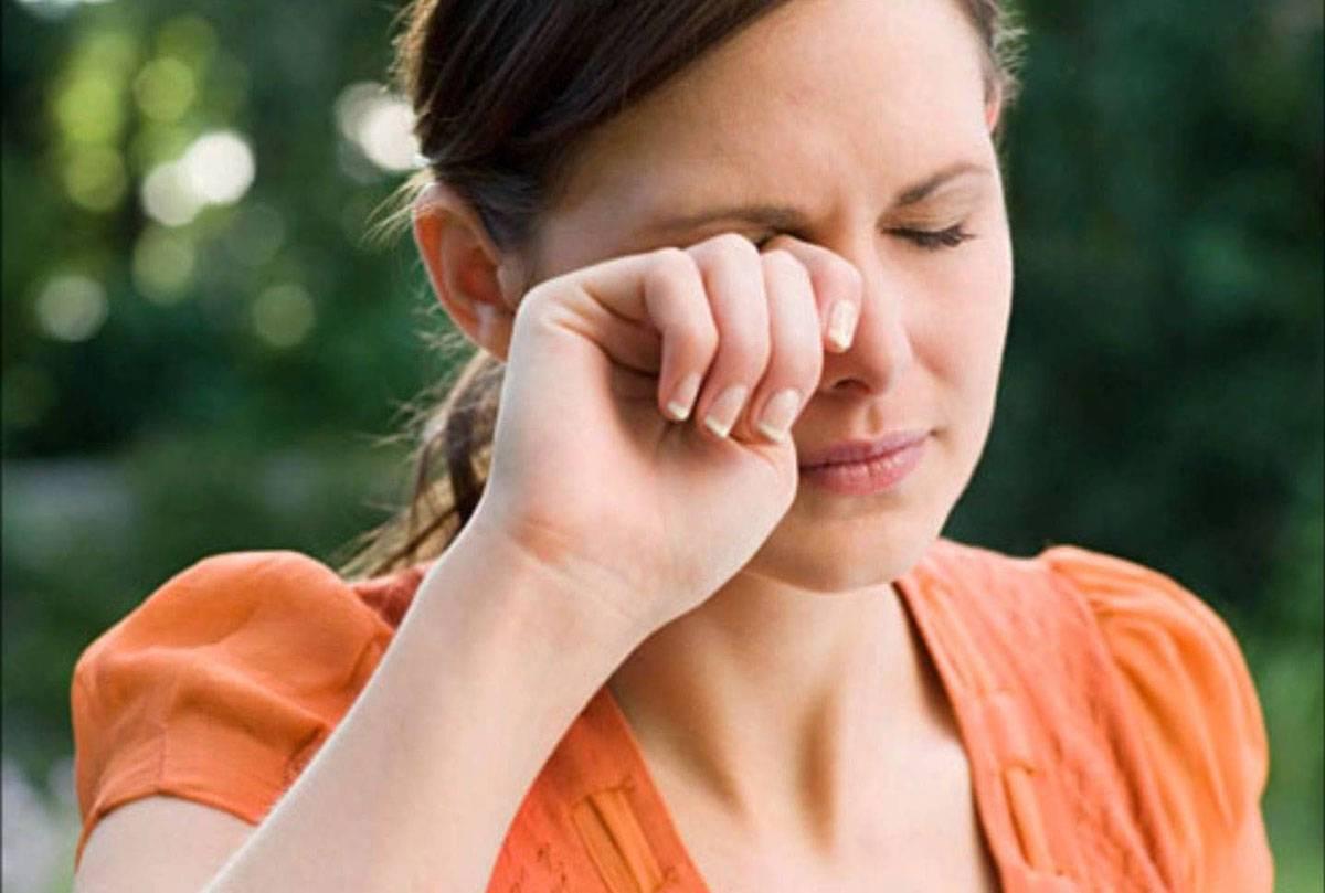 صورة اسباب ارتجاف العين , اعرف سبب رعشه جفنك واعراضه واسبابه لتفاديها