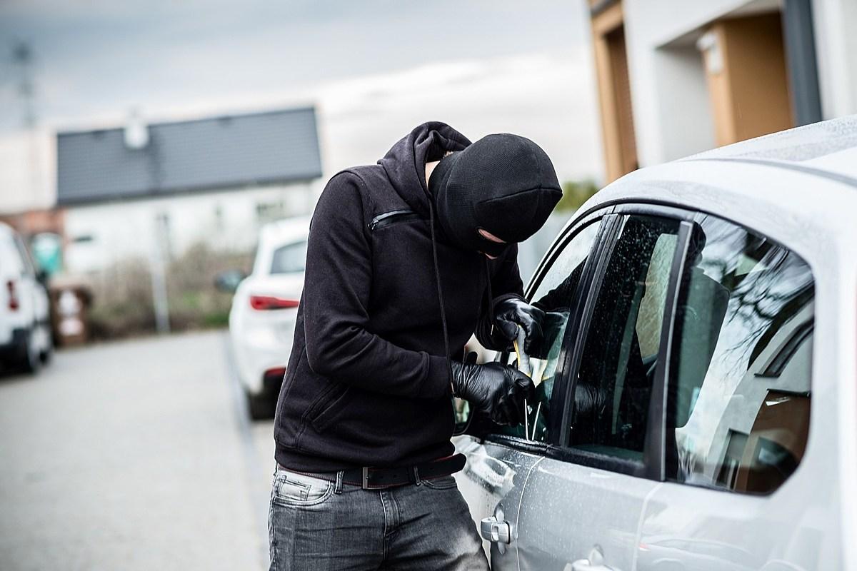 صورة تفسير حلم سرقة سيارتي , اعرف معني سرقه عربيتك في حلمك