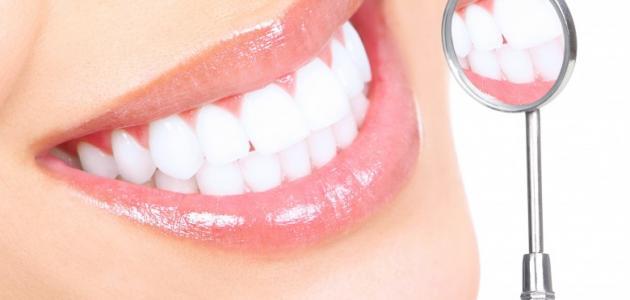 صورة تبييض الاسنان طبيعيا , افضل الوصفات المنزليه لجعل اسنانك بيضاء وتلمع
