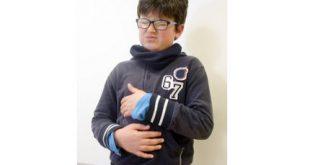 صورة الم الصدر عند الاطفال , لماذا يشعر الاطفال بالام الصدر؟؟