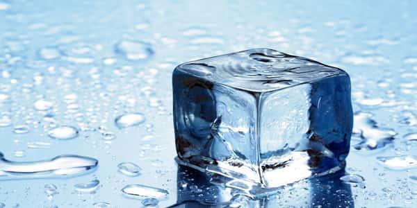 صورة اذا لم تعرف اضرار الثلج للصدر ستؤدي الي موتك , اضرار الثلج للصدر