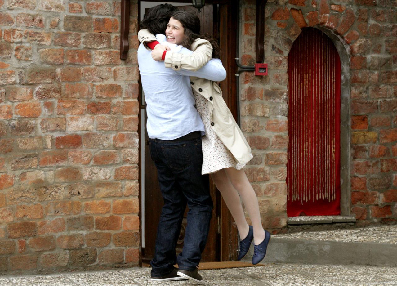 صورة من اجمل مسلسلالت الحب , صور رومانسيه فاطمه وكريم 1713 3